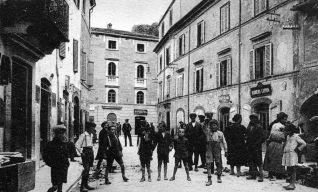 Piazza Matteotti al secolo piazza Umberto I